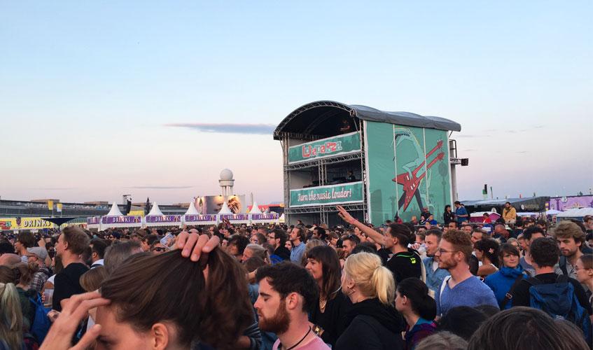 Menschen auf dem Lollapalooza Berlin