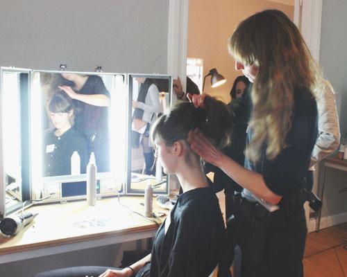 Haare machen beim Beauty Blogger Café