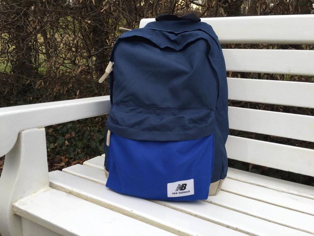 blauer Rucksack von New Balance